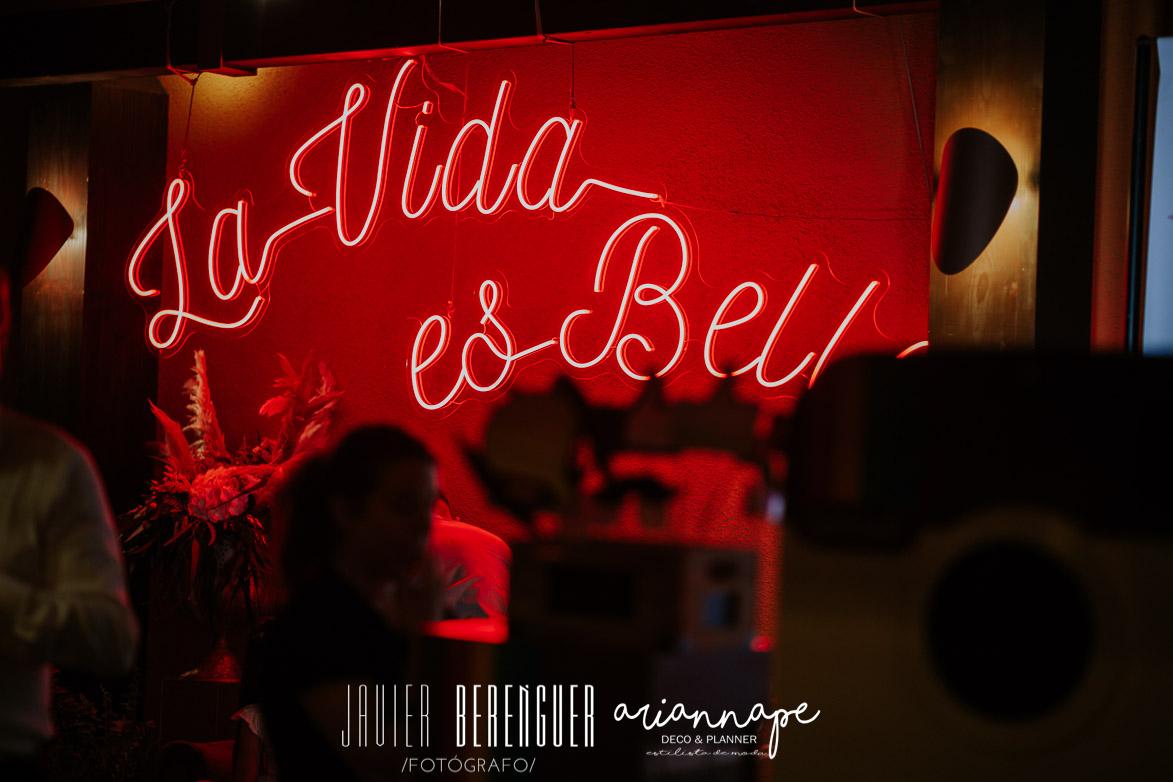 Neon La Vida es Bella